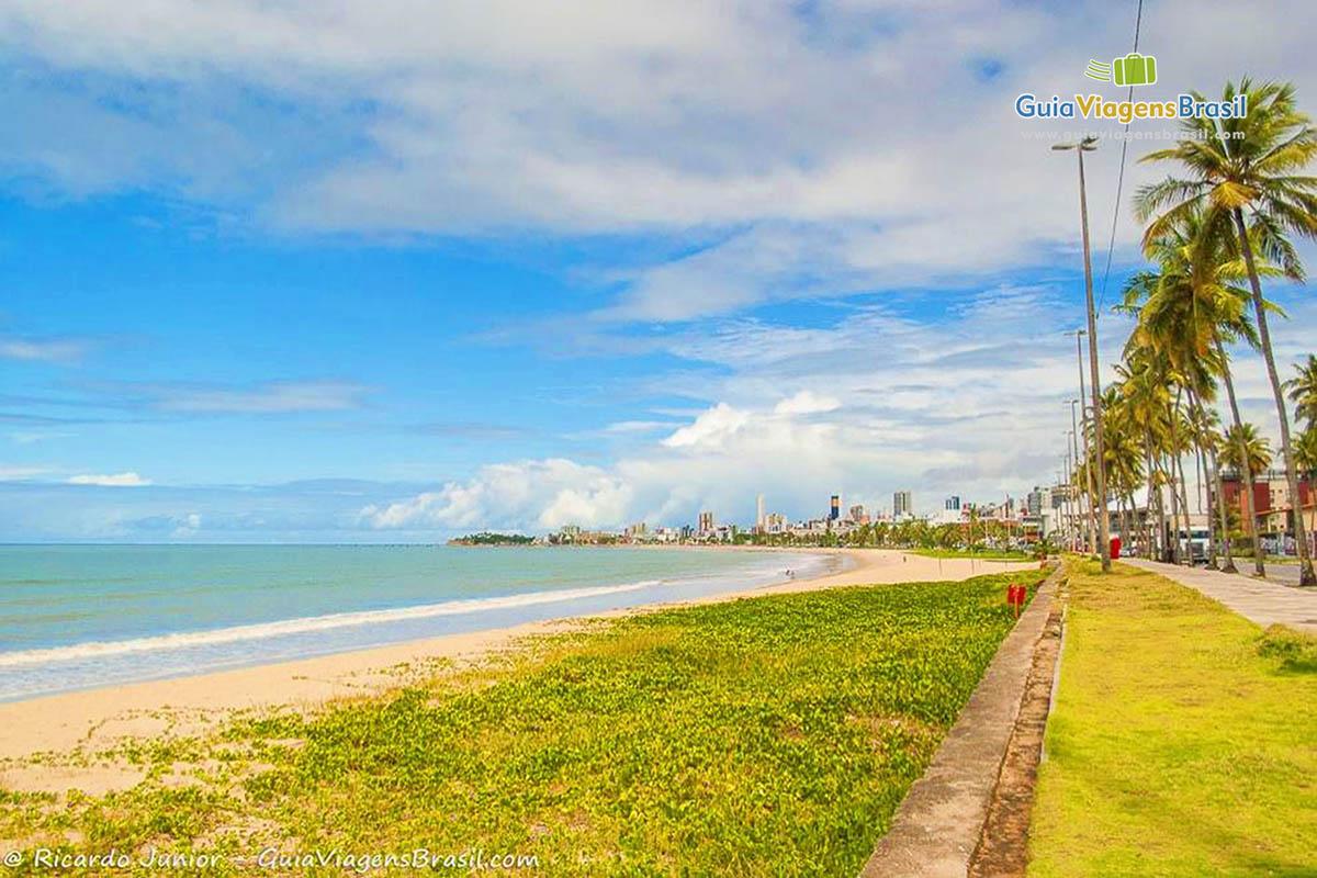 Foto orla Praia de Manaíra, João Pessoa, PB.