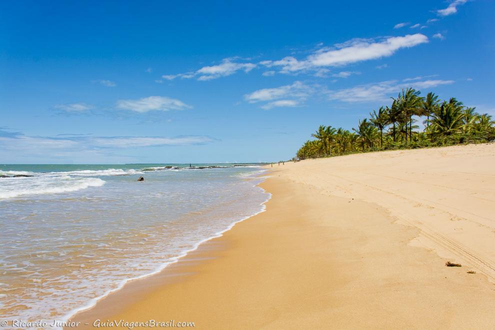 Foto orla Praia de Caraíva, BA.