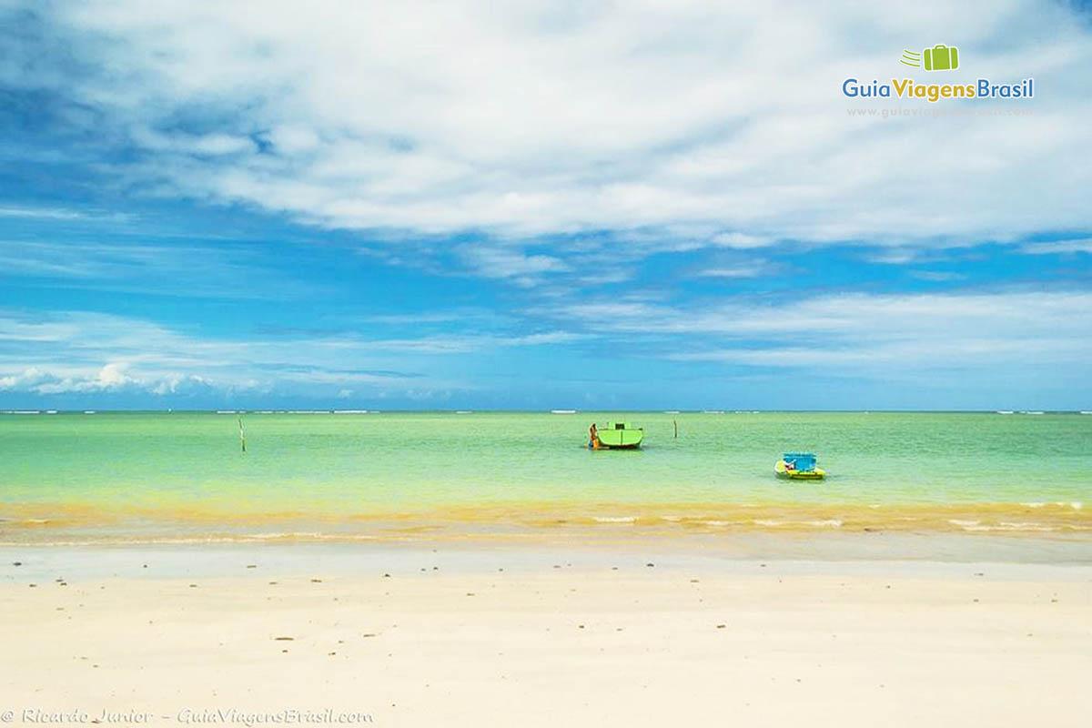 Foto mar calmo da Praia do Toque, em São Miguel dos Milagres, AL.