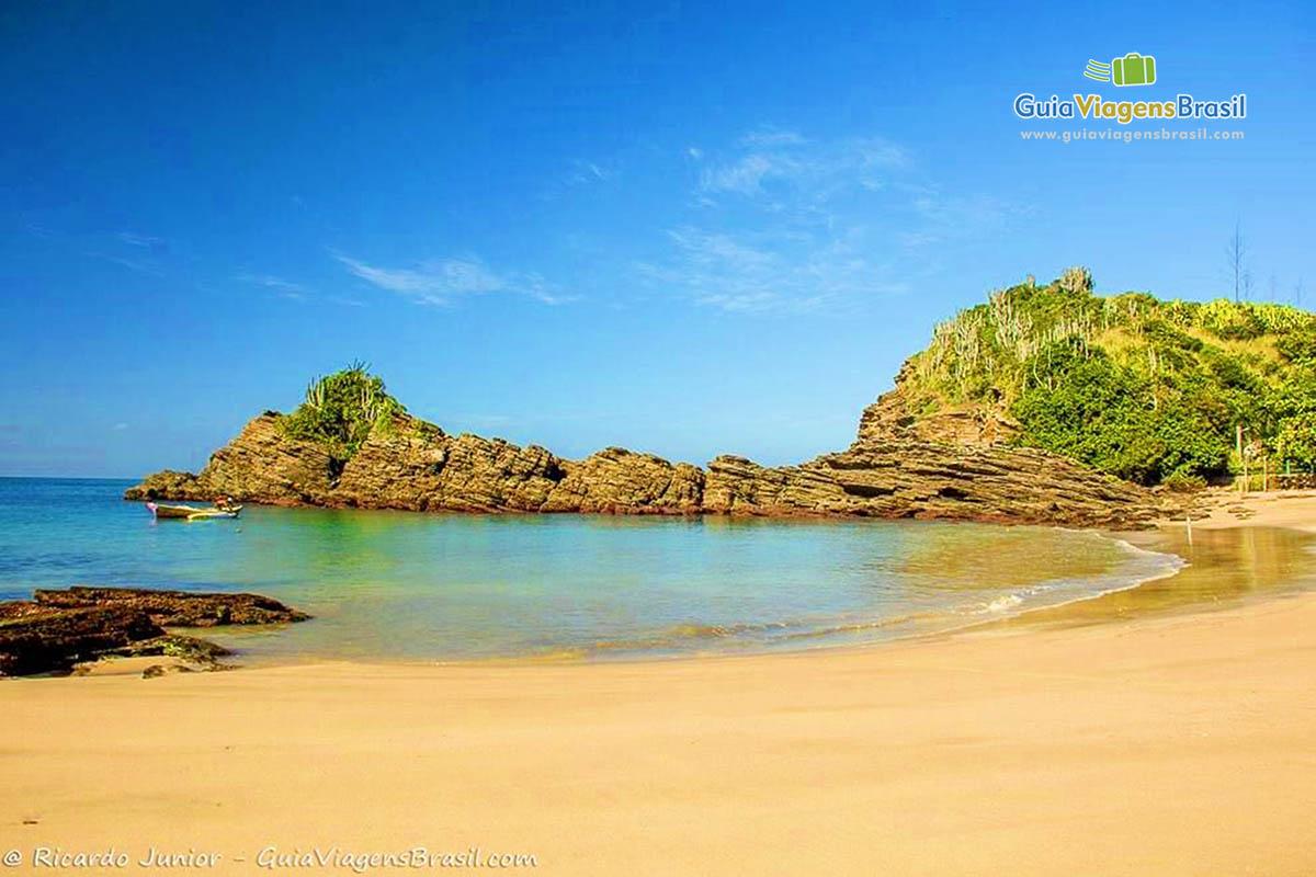 Imagem da orla da Praia Ferradurinha em Búzios. b17d234f64b