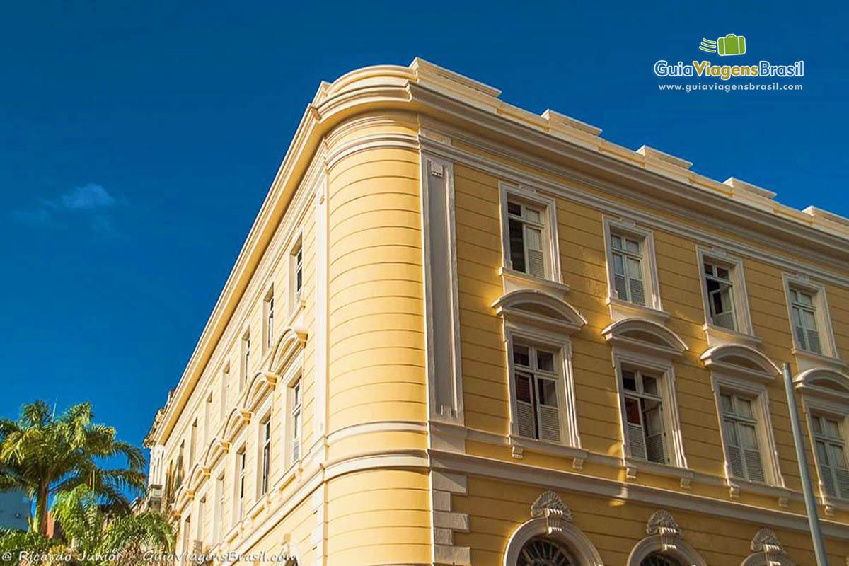 #005189  janela de um belo casarão no Centro Histórico de Recife Pernambuco 270 Janelas De Vidro Recife Pe