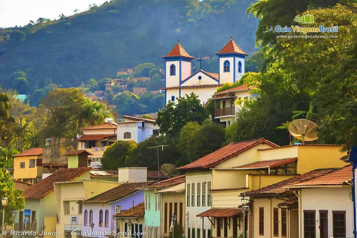 Sabará Minas Gerais fonte: www.guiaviagensbrasil.com