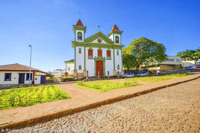 Santa Bárbara Minas Gerais fonte: www.guiaviagensbrasil.com